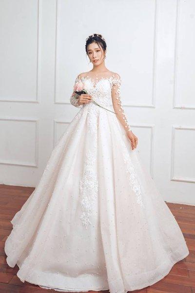 Thuê váy cưới màu trắng 13 Khi thuê váy cưới, tại sao nhất định phải chọn màu trắng?