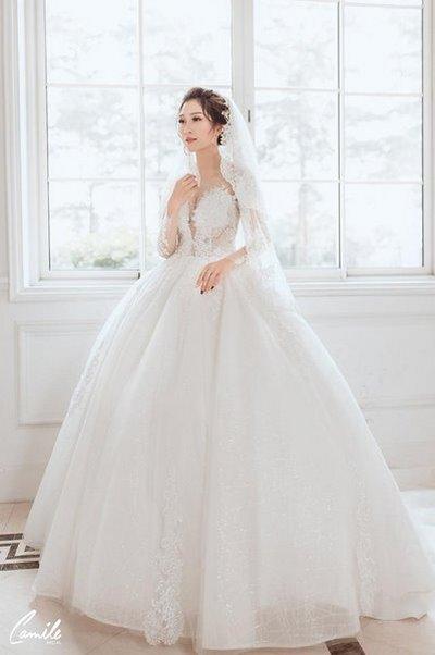 Thuê váy cưới màu trắng 6 Khi thuê váy cưới, tại sao nhất định phải chọn màu trắng?