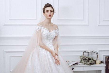 váy cưới vai ngang 13 Mê mẩn BST váy cưới vai ngang giúp cô dâu che khuyết điểm bắp tay to