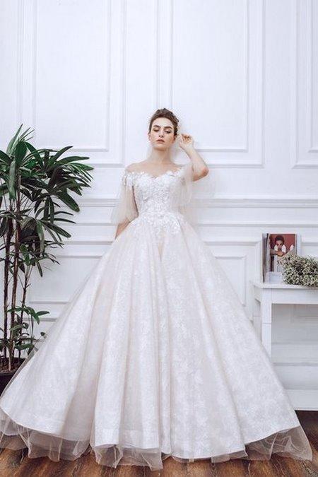 váy cưới vai ngang 14 Mê mẩn BST váy cưới vai ngang giúp cô dâu che khuyết điểm bắp tay to