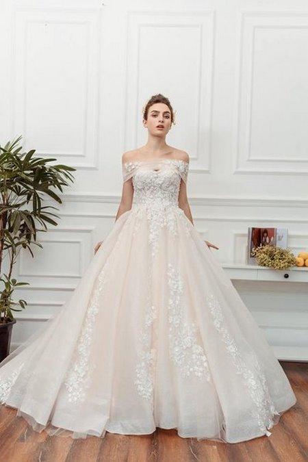 váy cưới vai ngang 4 Mê mẩn BST váy cưới vai ngang giúp cô dâu che khuyết điểm bắp tay to