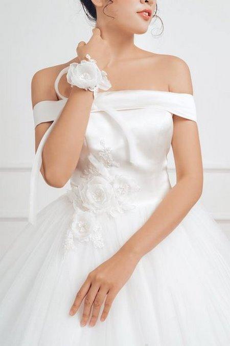 váy cưới vai ngang 6 Mê mẩn BST váy cưới vai ngang giúp cô dâu che khuyết điểm bắp tay to