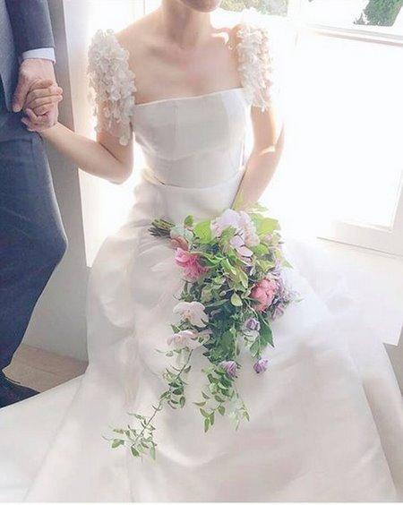 váy cưới nhẹ nhàng 12 Đẹp dịu dàng với váy cưới BST váy cưới nhẹ nhàng của Camile Bridal