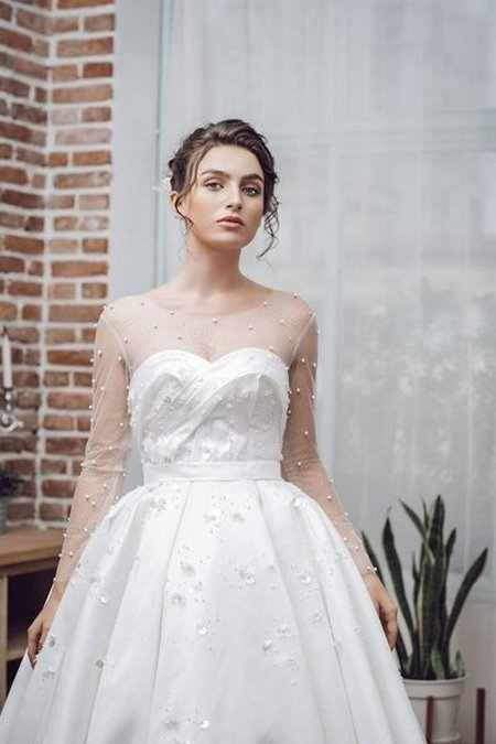 Váy cưới ren 2 Hóa thiên thần với BST áo cưới ren siêu lãng mạn của CAMILE BRIDAL