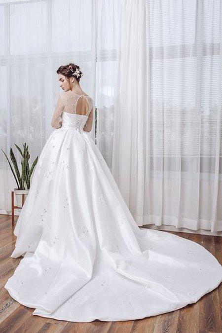 Váy cưới ren 3 Hóa thiên thần với BST áo cưới ren siêu lãng mạn của CAMILE BRIDAL