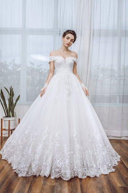 Váy cưới ren 6 Hóa thiên thần với BST áo cưới ren siêu lãng mạn của CAMILE BRIDAL