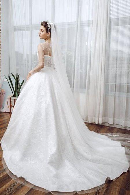 Váy cưới ren 8 Hóa thiên thần với BST áo cưới ren siêu lãng mạn của CAMILE BRIDAL