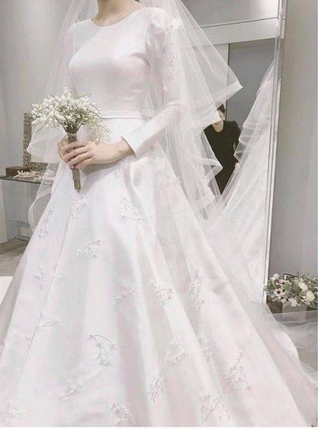 Váy cưới Satin 1 Đẹp sang trọng, quyến rũ với BST Váy cưới Satin của Camile Bridal