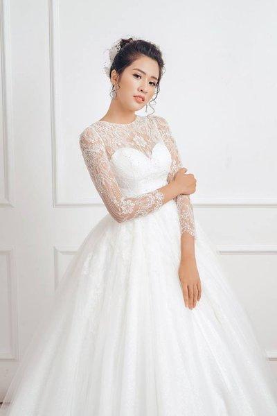 váy cưới tay dài 2 Muốn che khuyết điểm hoàn hảo, cô dâu hãy chọn váy cưới tay dài