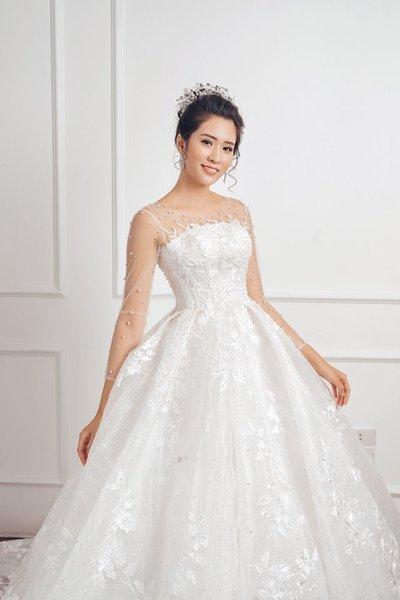 váy cưới tay dài 4 Muốn che khuyết điểm hoàn hảo, cô dâu hãy chọn váy cưới tay dài