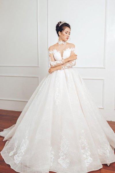 váy cưới tay dài 5 Muốn che khuyết điểm hoàn hảo, cô dâu hãy chọn váy cưới tay dài