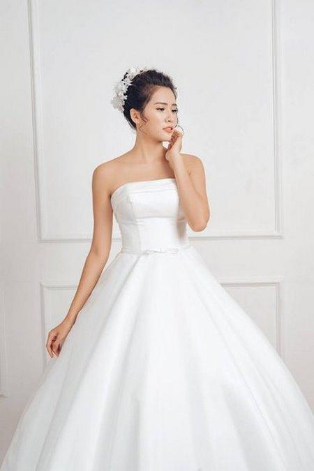 xu hướng váy cưới 8 Những xu hướng váy cưới năm 2021 các cô dâu không thể bỏ qua