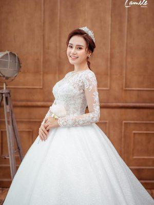Mẫu váy cưới ren công chúa 2