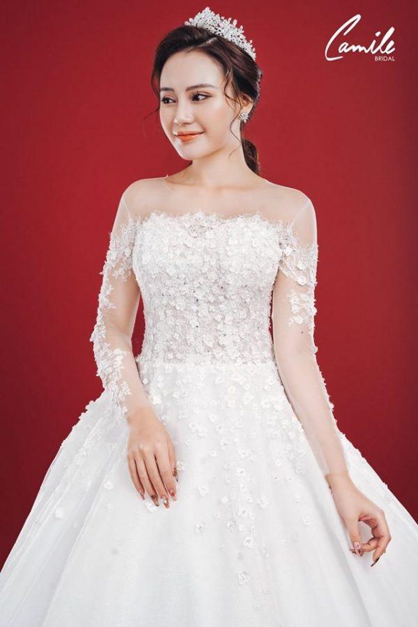 Mẫu váy cưới ren tiểu thư 2