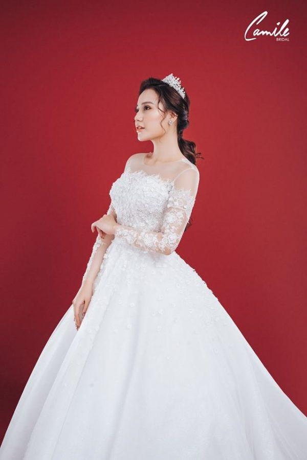 Mẫu váy cưới ren tiểu thư 3