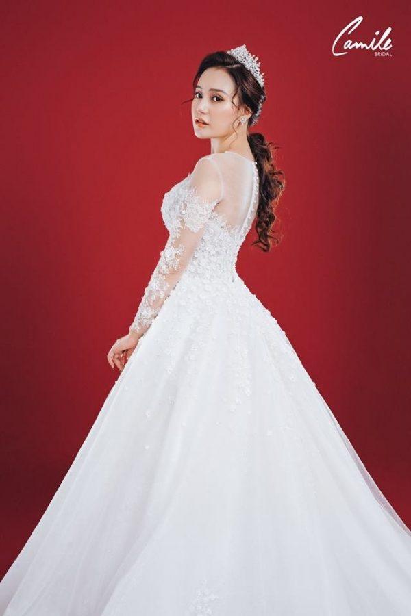 Mẫu váy cưới ren tiểu thư 4
