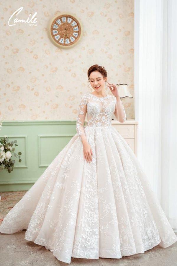 Mẫu váy cưới tay dài xòe bồng công chúa 2