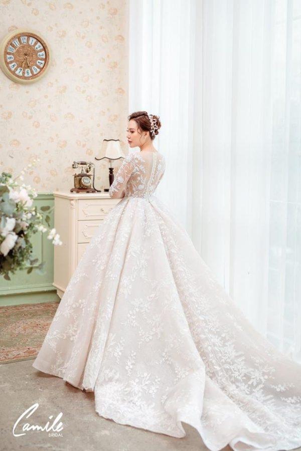 Mẫu váy cưới tay dài xòe bồng công chúa 4