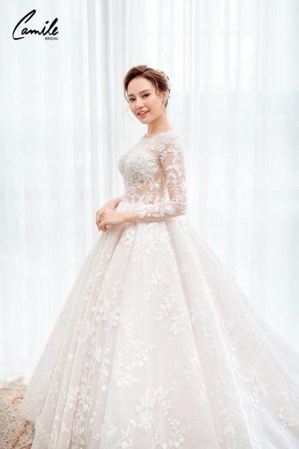 Mẫu váy cưới tay dài xòe bồng công chúa 5
