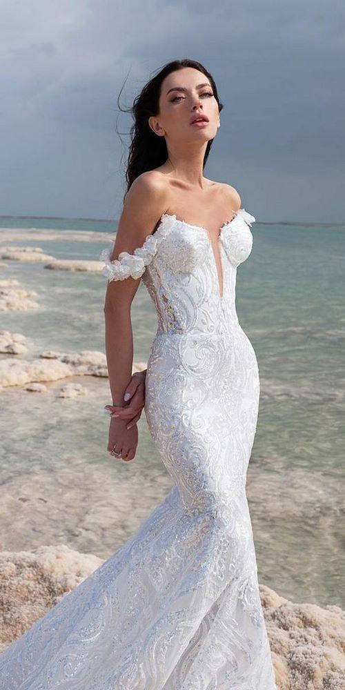 Váy cưới đuôi cá 1 Gợi ý 30 mẫu váy cưới đuôi cá đẹp lộng lẫy sang trọng cho mùa cưới 2020