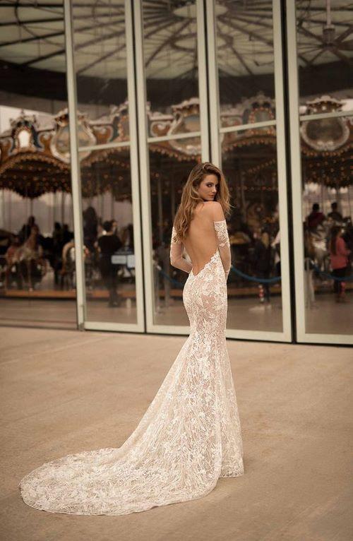 Váy cưới đuôi cá 10 Gợi ý 30 mẫu váy cưới đuôi cá đẹp lộng lẫy sang trọng cho mùa cưới 2020