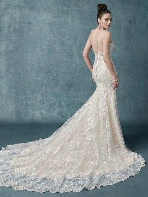 Váy cưới đuôi cá 13 Gợi ý 30 mẫu váy cưới đuôi cá đẹp lộng lẫy sang trọng cho mùa cưới 2020