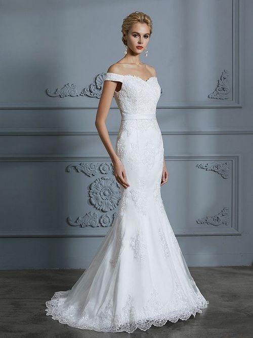 Váy cưới đuôi cá 17 Gợi ý 30 mẫu váy cưới đuôi cá đẹp lộng lẫy sang trọng cho mùa cưới 2020