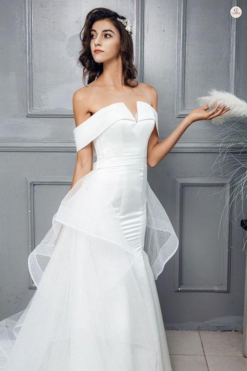 Váy cưới đuôi cá 2 Gợi ý 30 mẫu váy cưới đuôi cá đẹp lộng lẫy sang trọng cho mùa cưới 2020