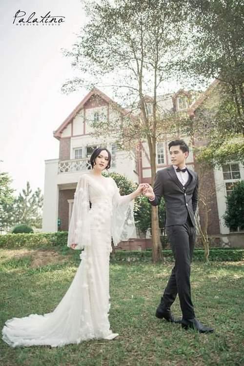 Váy cưới đuôi cá 4 Gợi ý 30 mẫu váy cưới đuôi cá đẹp lộng lẫy sang trọng cho mùa cưới 2020