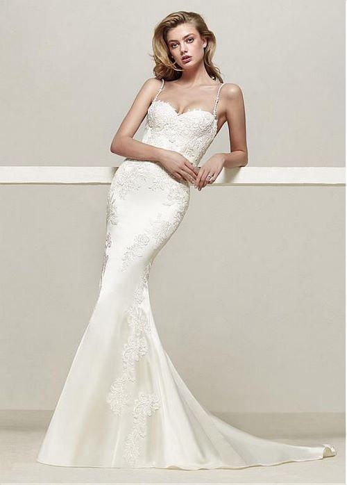 Váy cưới đuôi cá 7 Gợi ý 30 mẫu váy cưới đuôi cá đẹp lộng lẫy sang trọng cho mùa cưới 2020