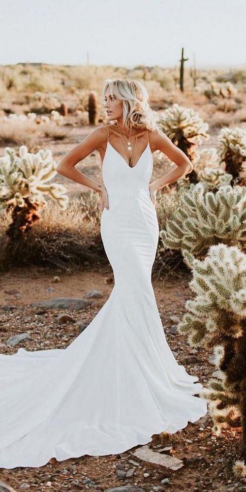 Váy cưới đuôi cá 8 Gợi ý 30 mẫu váy cưới đuôi cá đẹp lộng lẫy sang trọng cho mùa cưới 2020