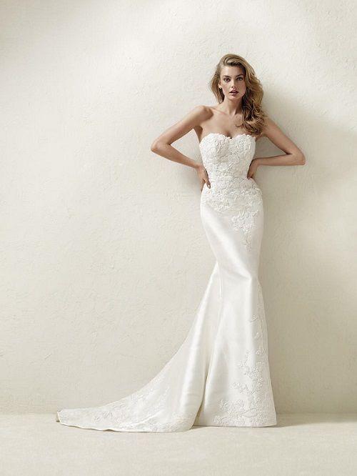 Váy cưới đuôi cá 9 Gợi ý 30 mẫu váy cưới đuôi cá đẹp lộng lẫy sang trọng cho mùa cưới 2020