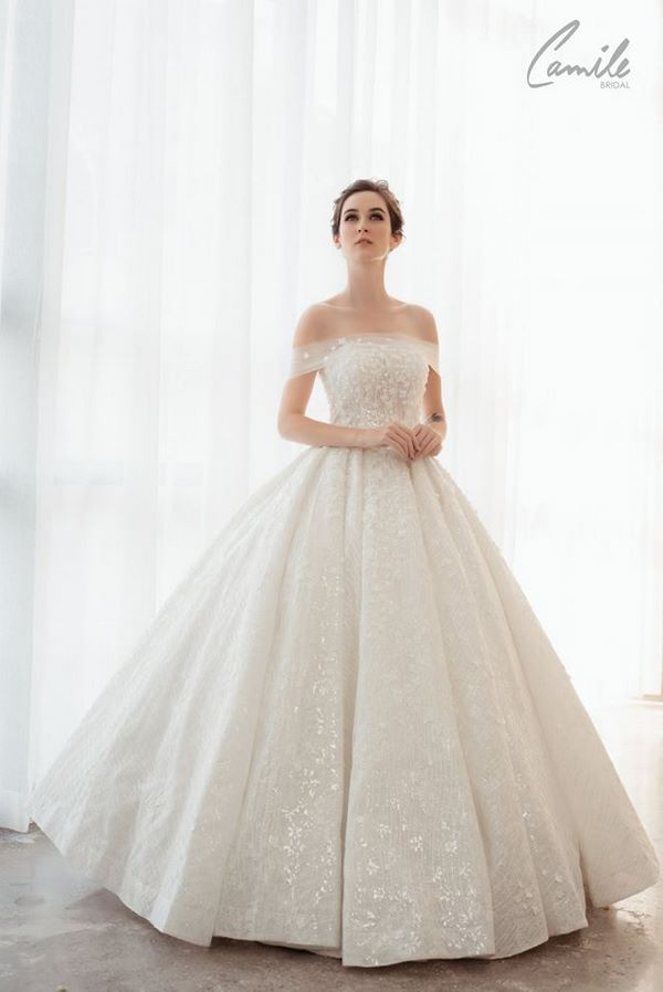 váy cưới màu trắng 15 Chiêm ngưỡng 50 mẫu váy cưới màu trắng đẹp thanh khiết, lộng lẫy nhất 2020