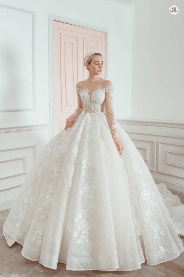 váy cưới màu trắng 17 Chiêm ngưỡng 50 mẫu váy cưới màu trắng đẹp thanh khiết, lộng lẫy nhất 2020