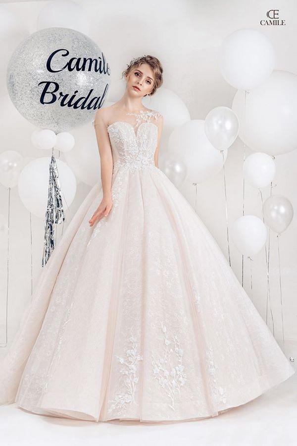 váy cưới màu trắng 19 Chiêm ngưỡng 50 mẫu váy cưới màu trắng đẹp thanh khiết, lộng lẫy nhất 2020