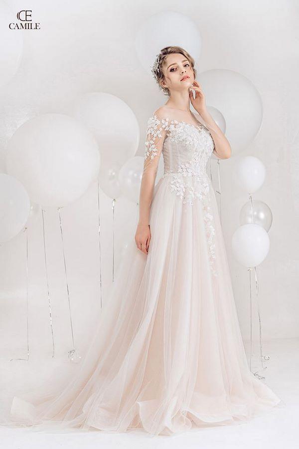 váy cưới màu trắng 2 Chiêm ngưỡng 50 mẫu váy cưới màu trắng đẹp thanh khiết, lộng lẫy nhất 2020