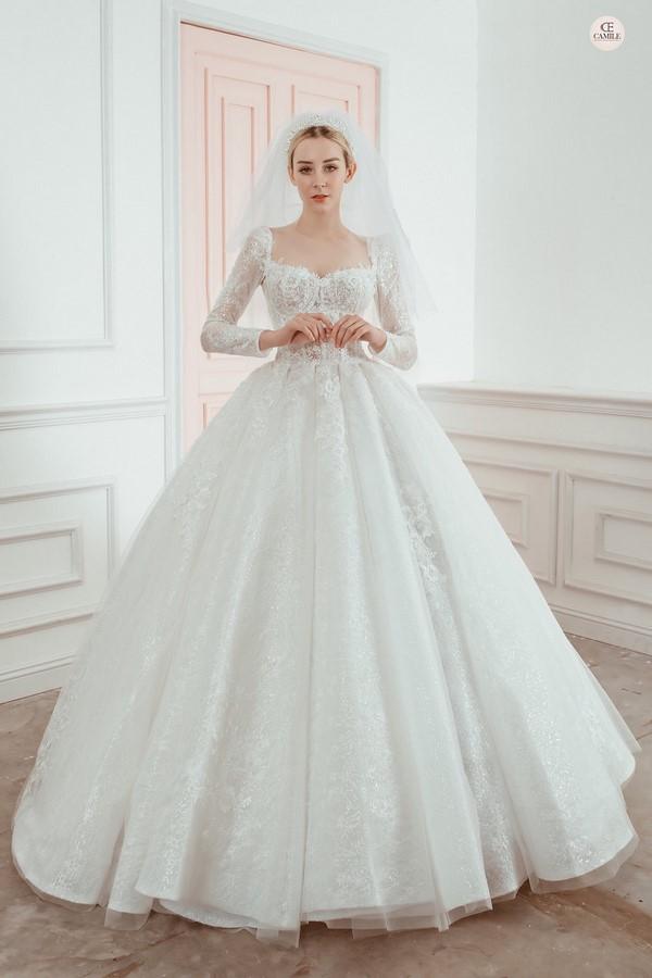 váy cưới màu trắng 20 Chiêm ngưỡng 50 mẫu váy cưới màu trắng đẹp thanh khiết, lộng lẫy nhất 2020