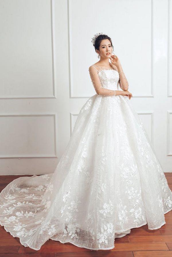 váy cưới màu trắng 25 Chiêm ngưỡng 50 mẫu váy cưới màu trắng đẹp thanh khiết, lộng lẫy nhất 2020