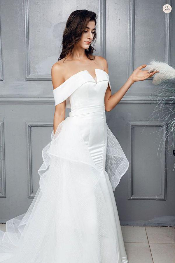 váy cưới màu trắng 8 Chiêm ngưỡng 50 mẫu váy cưới màu trắng đẹp thanh khiết, lộng lẫy nhất 2020