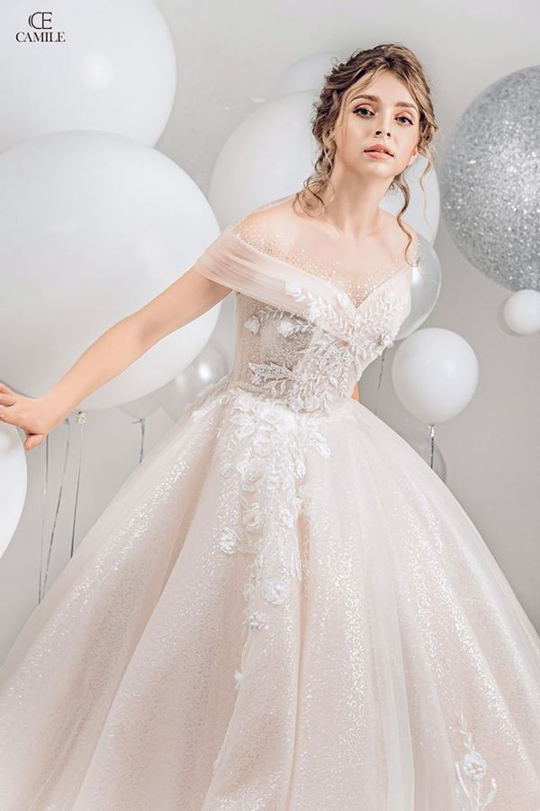 váy cưới màu hồng phấn 11 Chiêm ngưỡng 15 mẫu váy cưới màu hồng phấn pastel ngọt ngào nữ tính đẹp nhất 2021