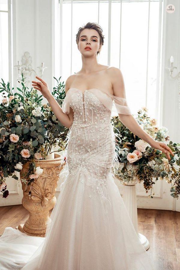 váy cưới màu hồng phấn 8 Chiêm ngưỡng 15 mẫu váy cưới màu hồng phấn pastel ngọt ngào nữ tính đẹp nhất 2021