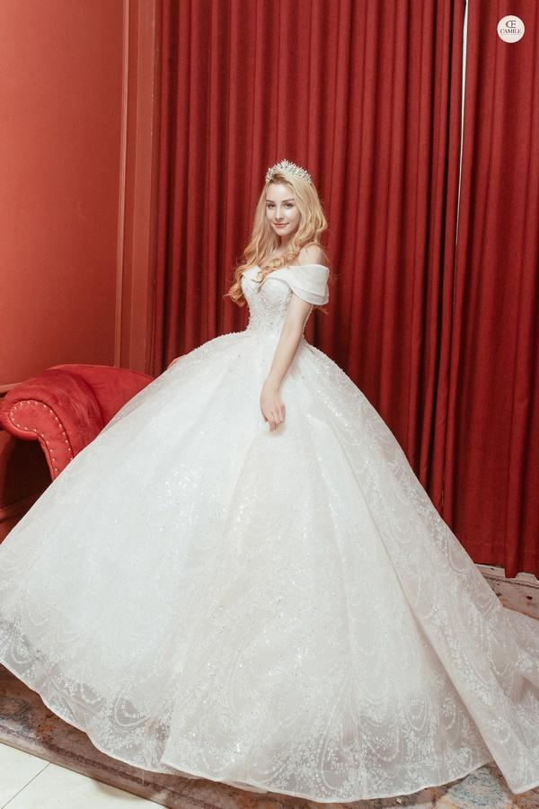 thuê váy cưới Quận Hoàng Mai 4 Kinh nghiệm chọn thuê váy cưới quận Hoàng Mai cho nàng dâu đẹp ấn tượng ngày cưới