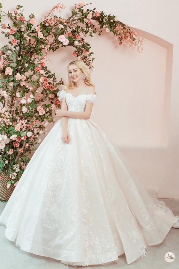 váy cưới thiết kế 5 Địa chỉ may đo thuê váy cưới thiết kế cao cấp đẹp và nhiều mẫu nhất Hà Nội