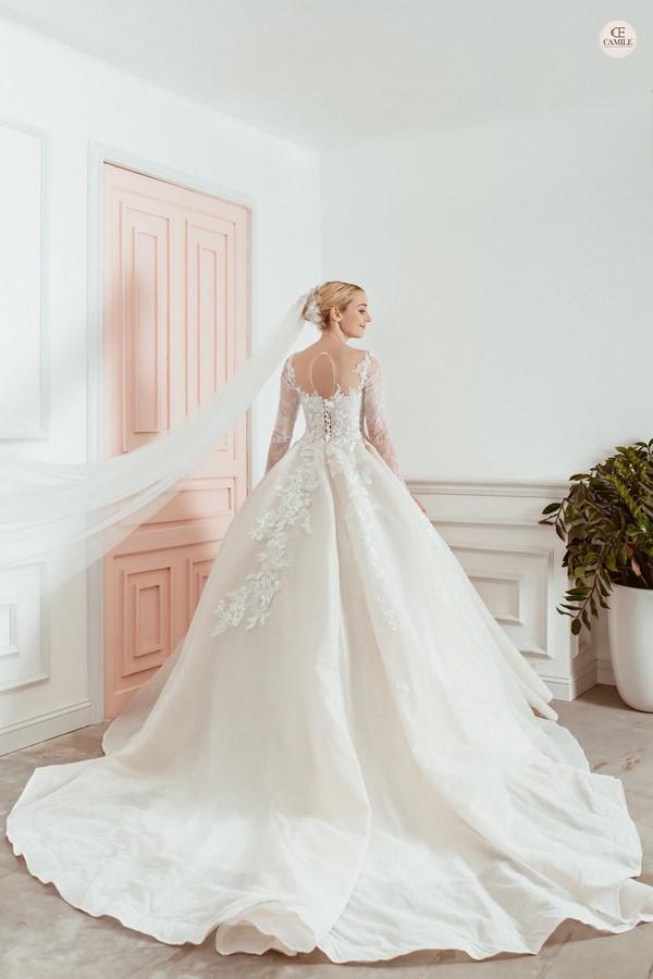 """váy cưới cho cô dâu lép 4 Trọn bộ bí kíp chọn thuê váy cưới cho cô dâu """"lép"""" siêu đơn giản"""