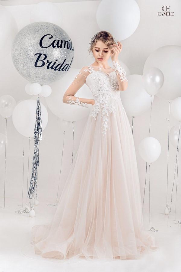 """váy cưới cho cô dâu lép 6 Trọn bộ bí kíp chọn thuê váy cưới cho cô dâu """"lép"""" siêu đơn giản"""