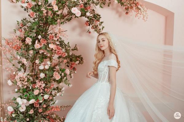 thuê váy cưới Huyện Mê Linh 2 Chia sẻ kinh nghiệm thuê váy cưới Huyện Mê Linh?