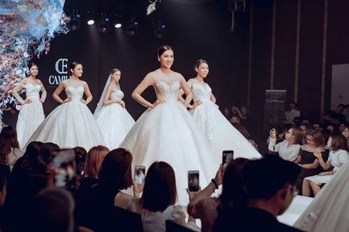 triển lãm cưới 1 Chiêm ngưỡng 20 mẫu váy cưới thiết kế đẹp nhất triển lãm cưới 2020 – 2021 của Camile Bridal