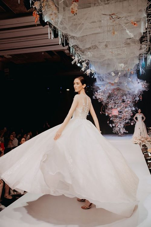 triển lãm cưới 6 Chiêm ngưỡng 20 mẫu váy cưới thiết kế đẹp nhất triển lãm cưới 2020 – 2021 của Camile Bridal