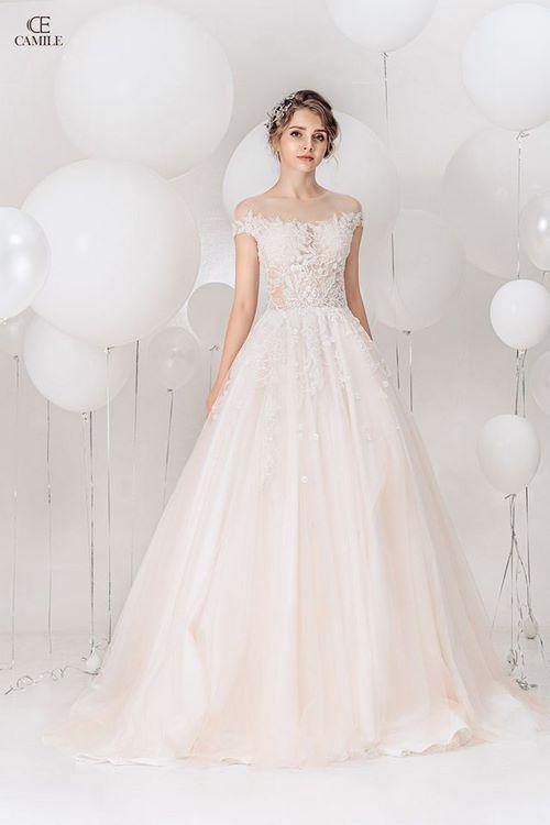 váy cưới dáng suông8 18 Mẫu váy cưới dáng suông đẹp sang trọng, tinh tế cho các nàng dâu 2020