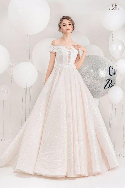 váy cưới dáng suông11 18 Mẫu váy cưới dáng suông đẹp sang trọng, tinh tế cho các nàng dâu 2020
